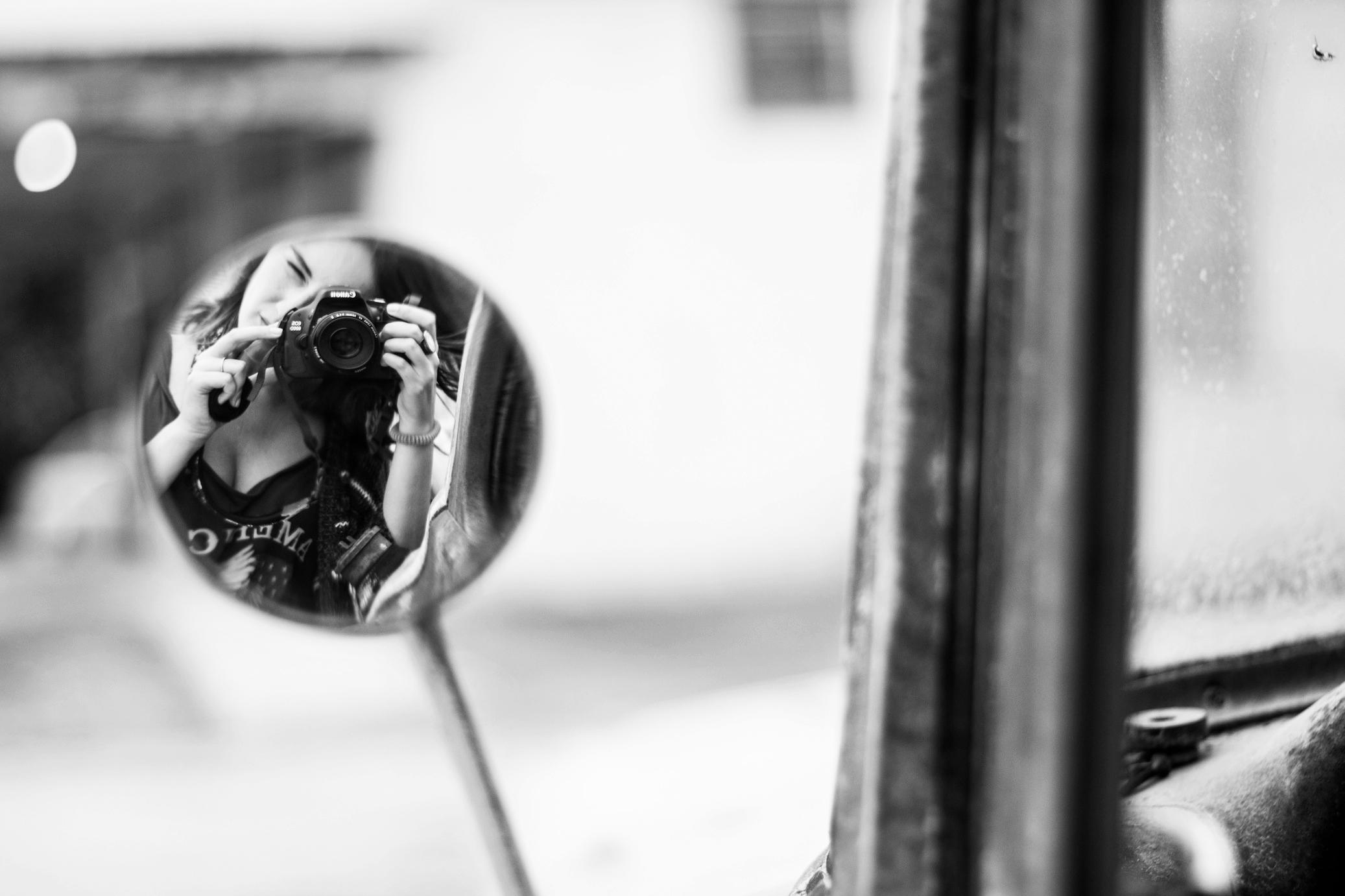 Fotografía en un espejo de coche